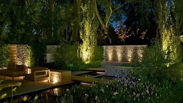 اضاءة الحدائق المنزلية