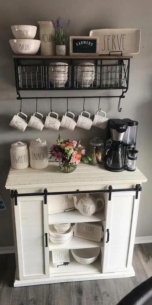 رفوف ركن القهوه