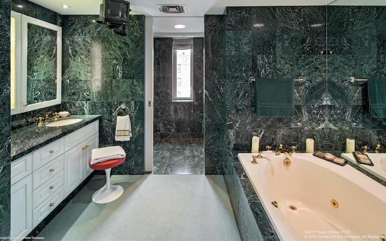 حمامات رخام فخمة