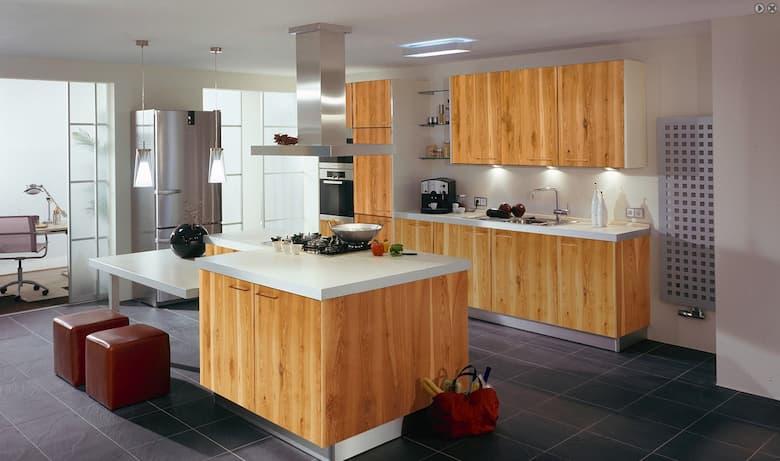 مطبخ خشبي فاتح